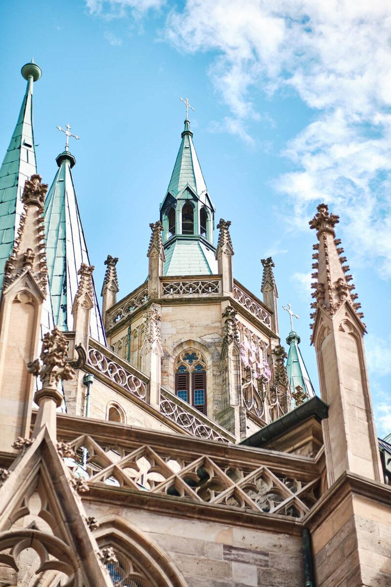 Ansicht vom Erfurter Dom von unten