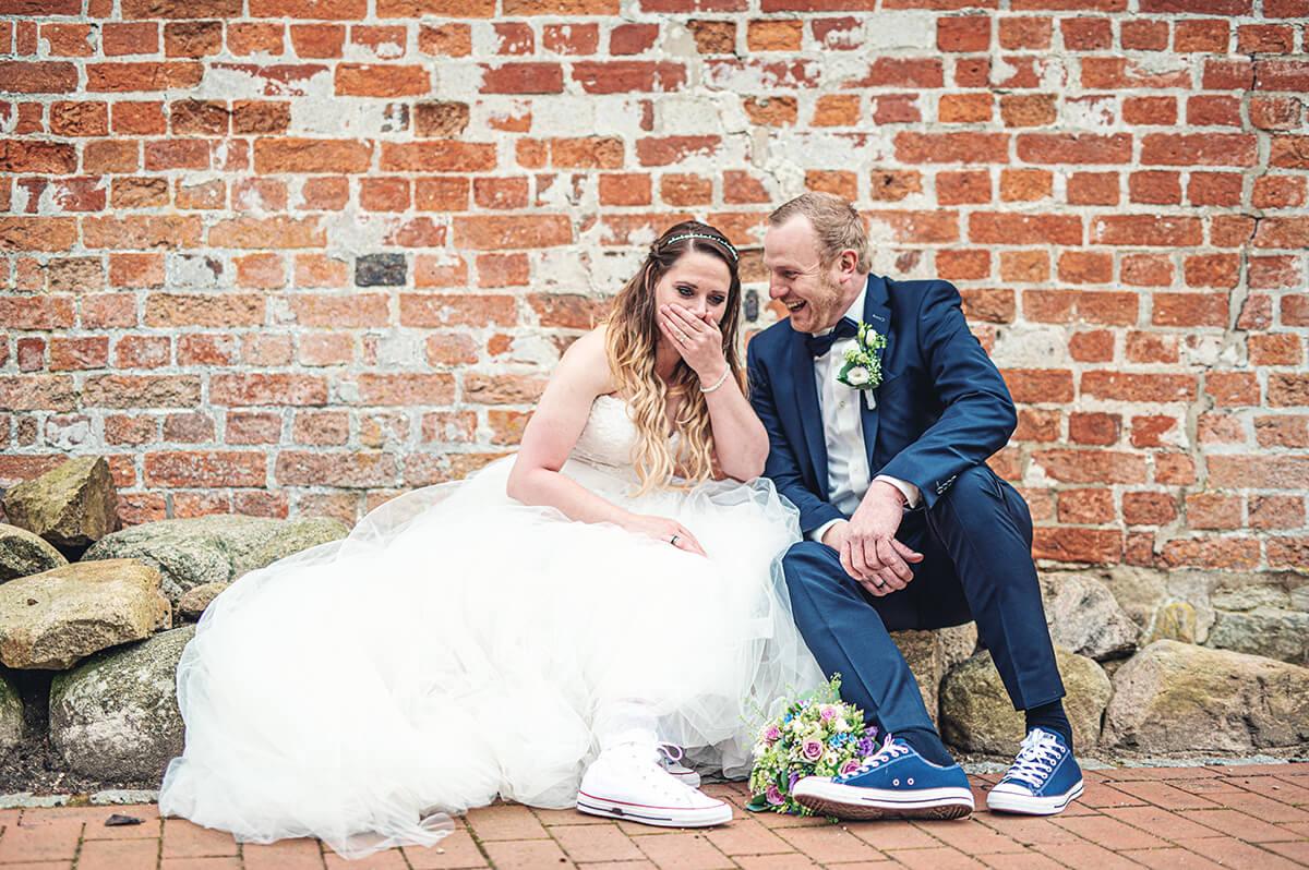 Brautpaar authentisch, nicht gestellt
